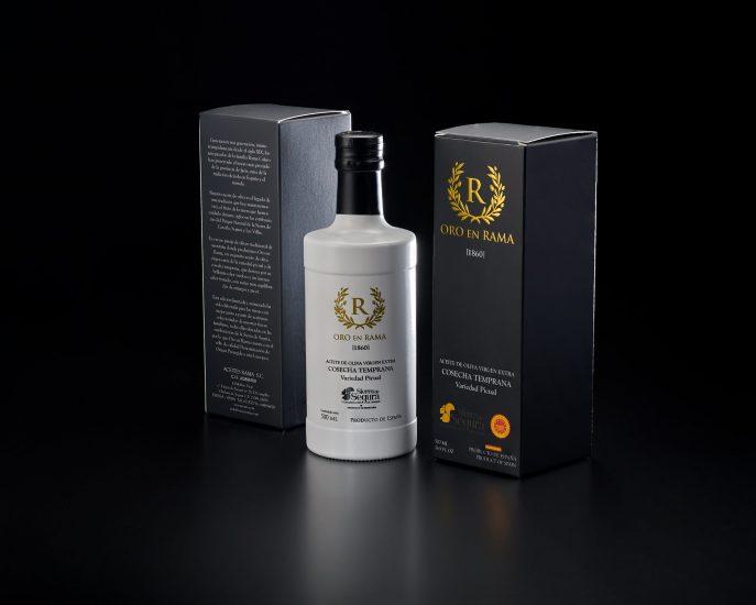 Oro en Rama, nuestro aceite de oliva virgen extra 'premium'. 100% picual de cosecha temprana de Jaén (España).